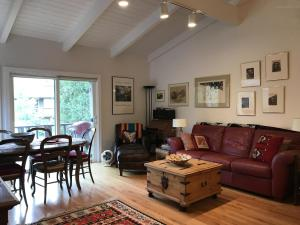 Property for sale at 204 Sun Valley Road Rd Unit: 17, Sun Valley,  ID 83353
