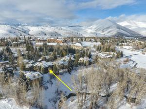 Property for sale at 1433 Cottonwood Condo Dr Unit: 1433 & 1437, Sun Valley,  ID 83353