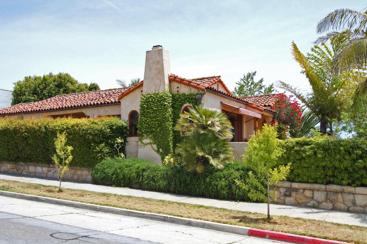 Property photo for 2436 State ST Santa Barbara, California 93105 - 11-2016