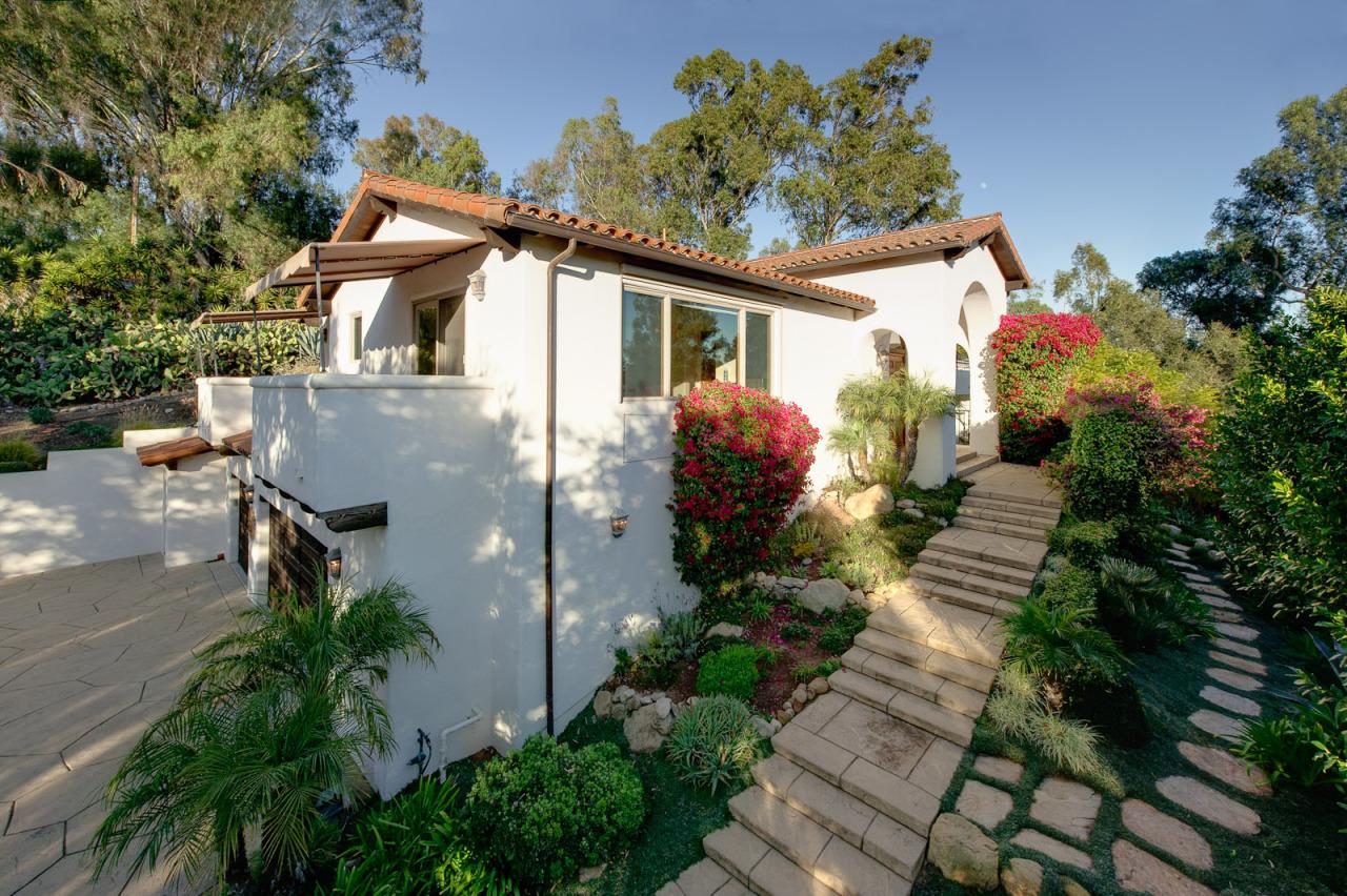Property photo for 810 Poinsettia WAY Santa Barbara, California 93111 - 12-157
