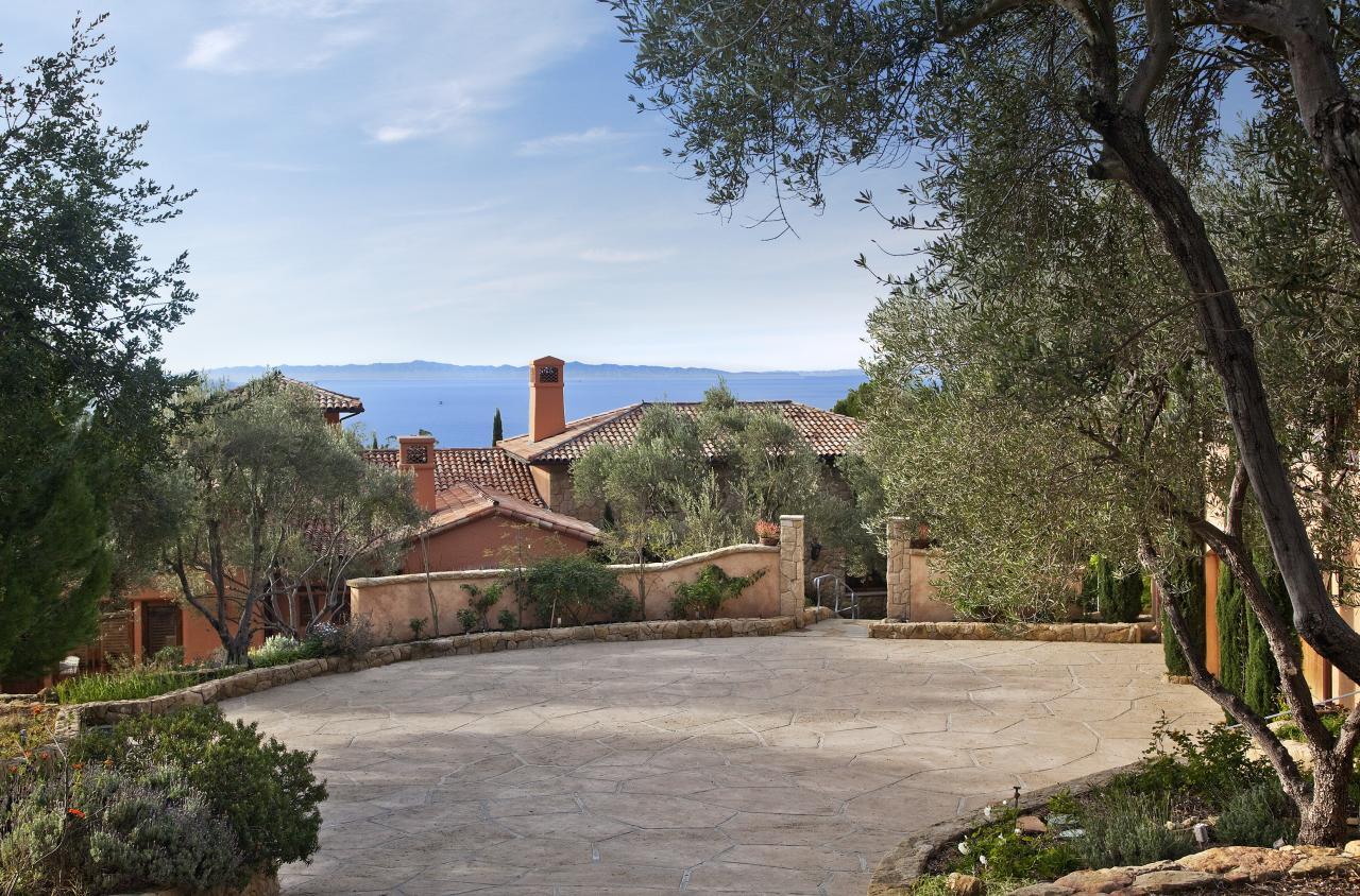 Property photo for 1046 Ladera LN Montecito, California 93108 - 12-1060