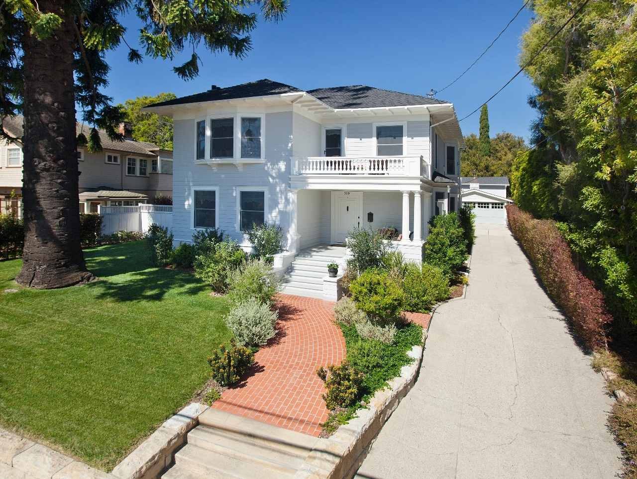 Property photo for 309 E Valerio St Santa Barbara, California 93101 - 13-745