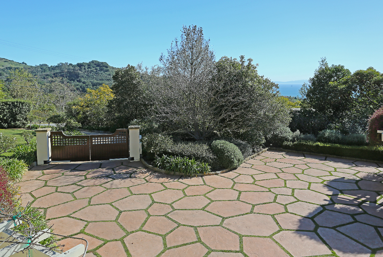Property photo for 693 Toro Canyon Rd Montecito, California 93108 - 13-878