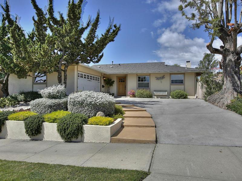 Property photo for 301 Salida Del Sol Santa Barbara, California 93109 - 13-1225