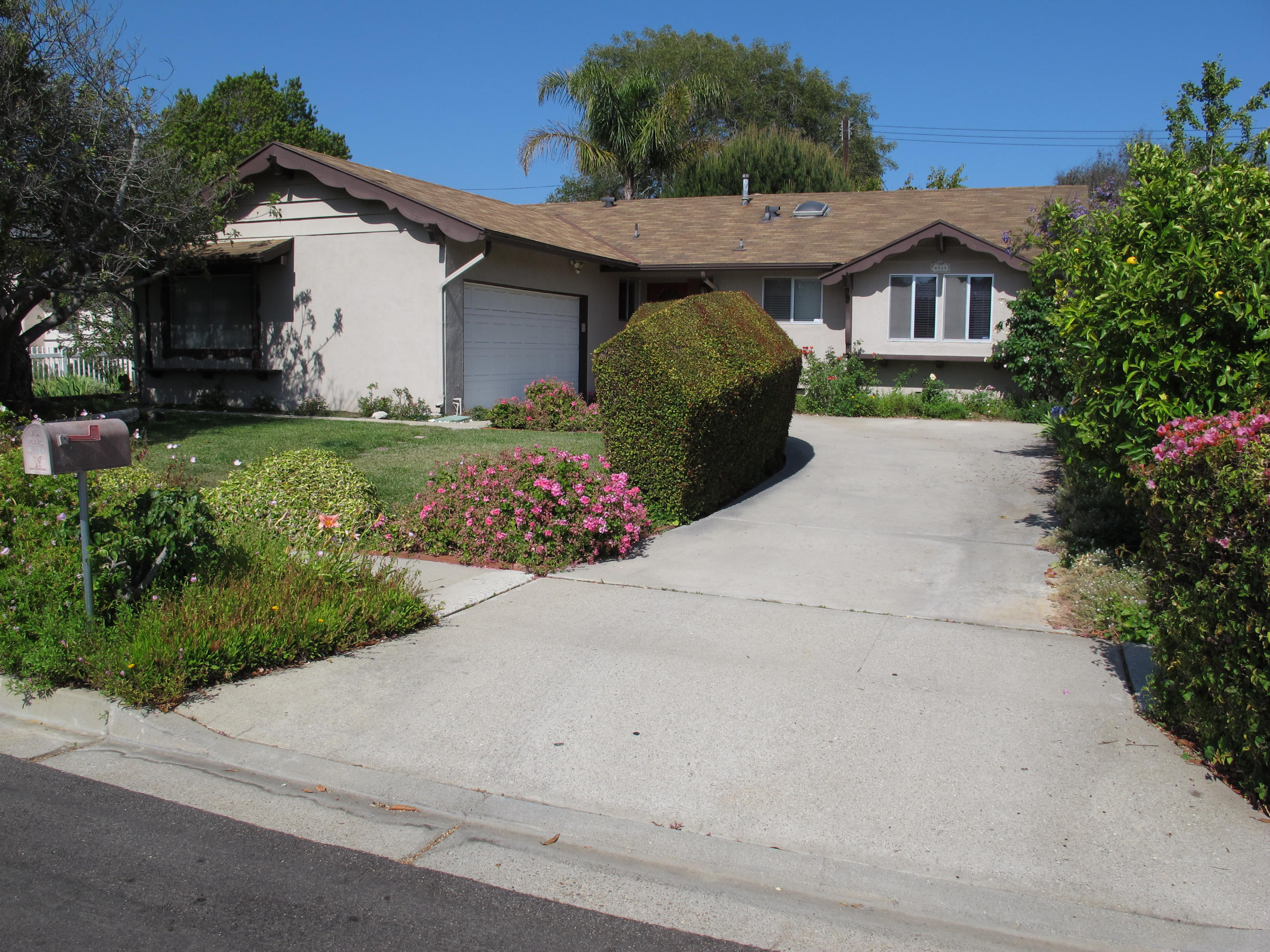 Property photo for 94 Surrey Pl Goleta, California 93117 - 14-2498