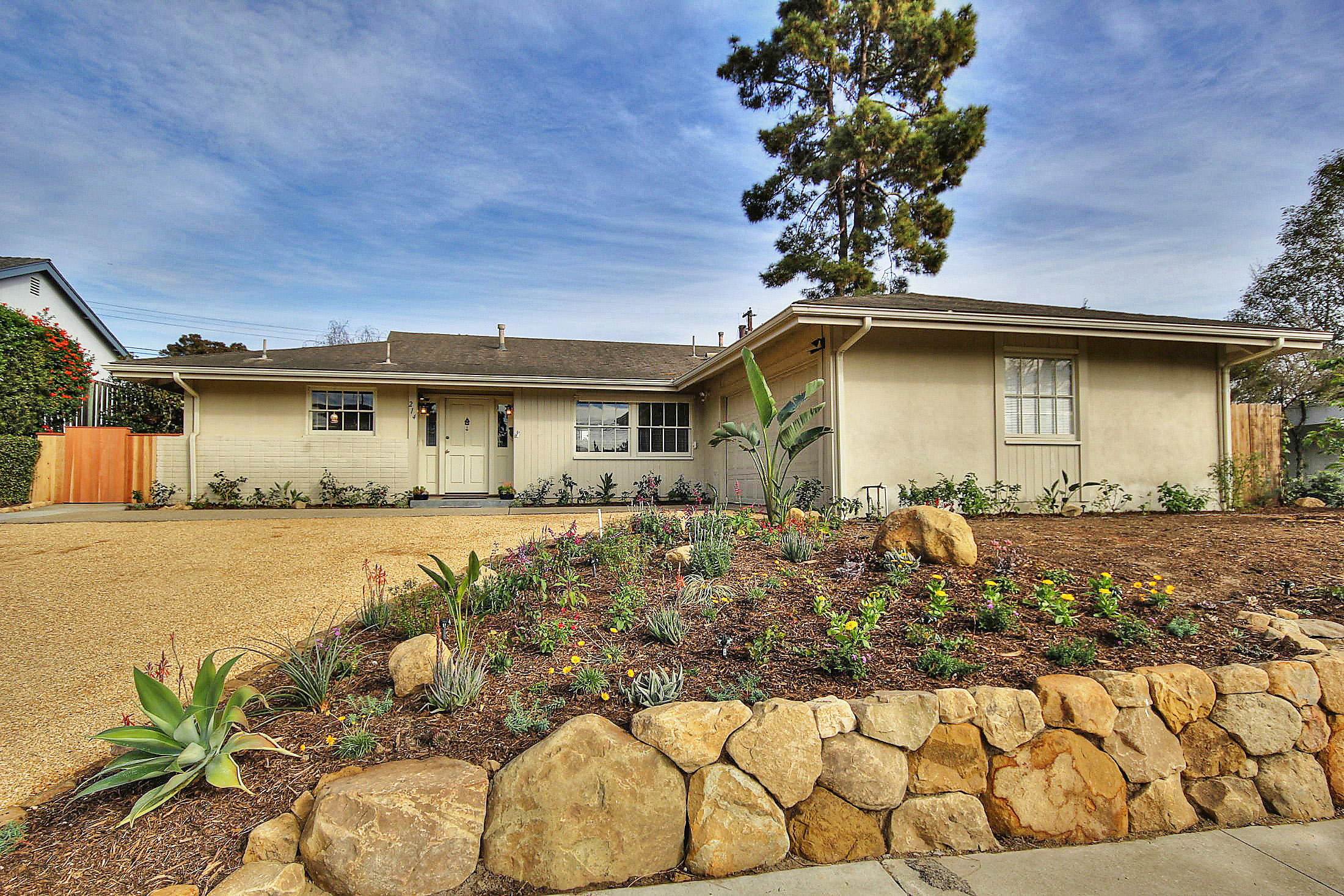 Property photo for 214 Cordova Dr Santa Barbara, California 93109 - 15-360
