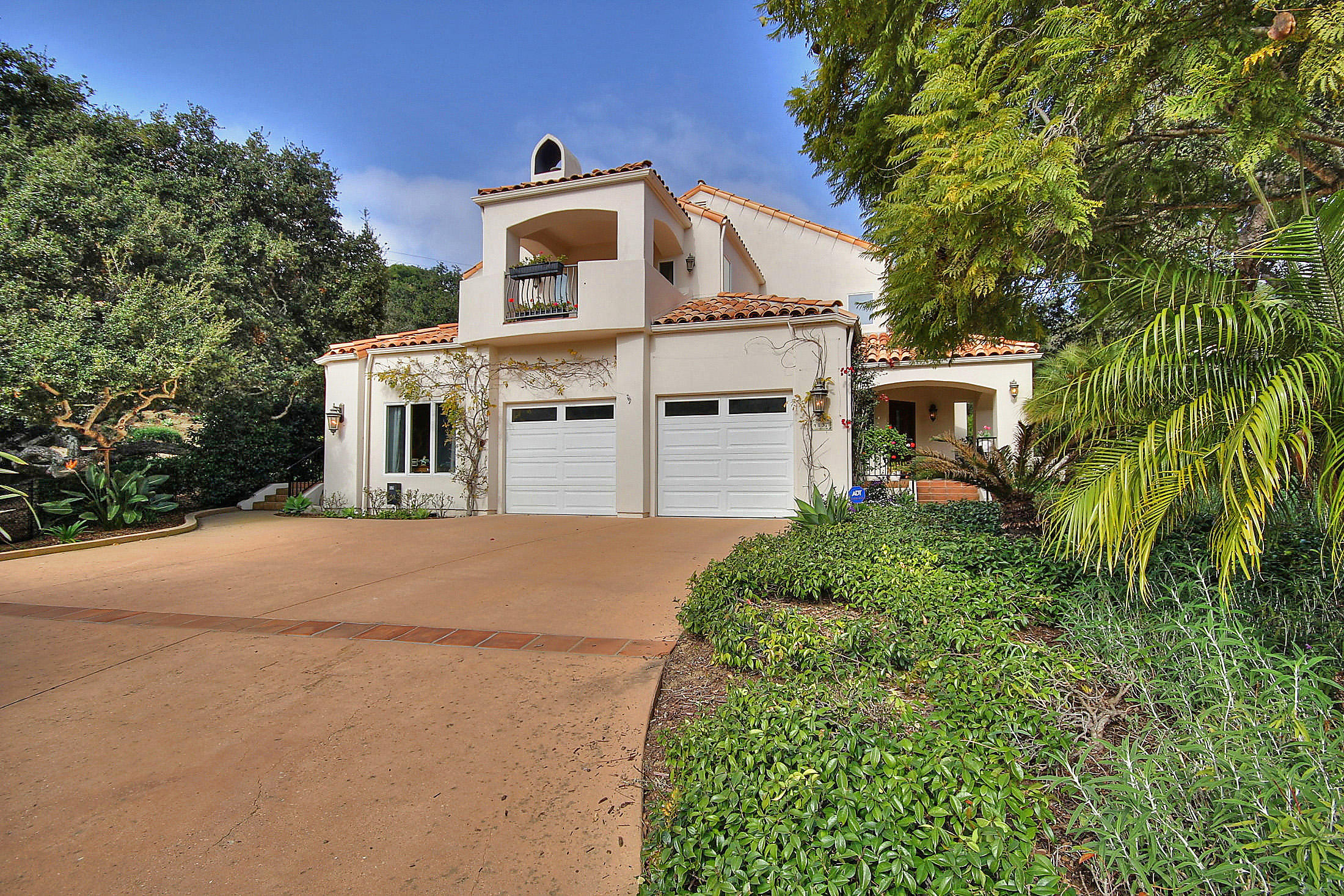Property photo for 4137 Hidden Oaks Rd Santa Barbara, California 93105 - 15-361