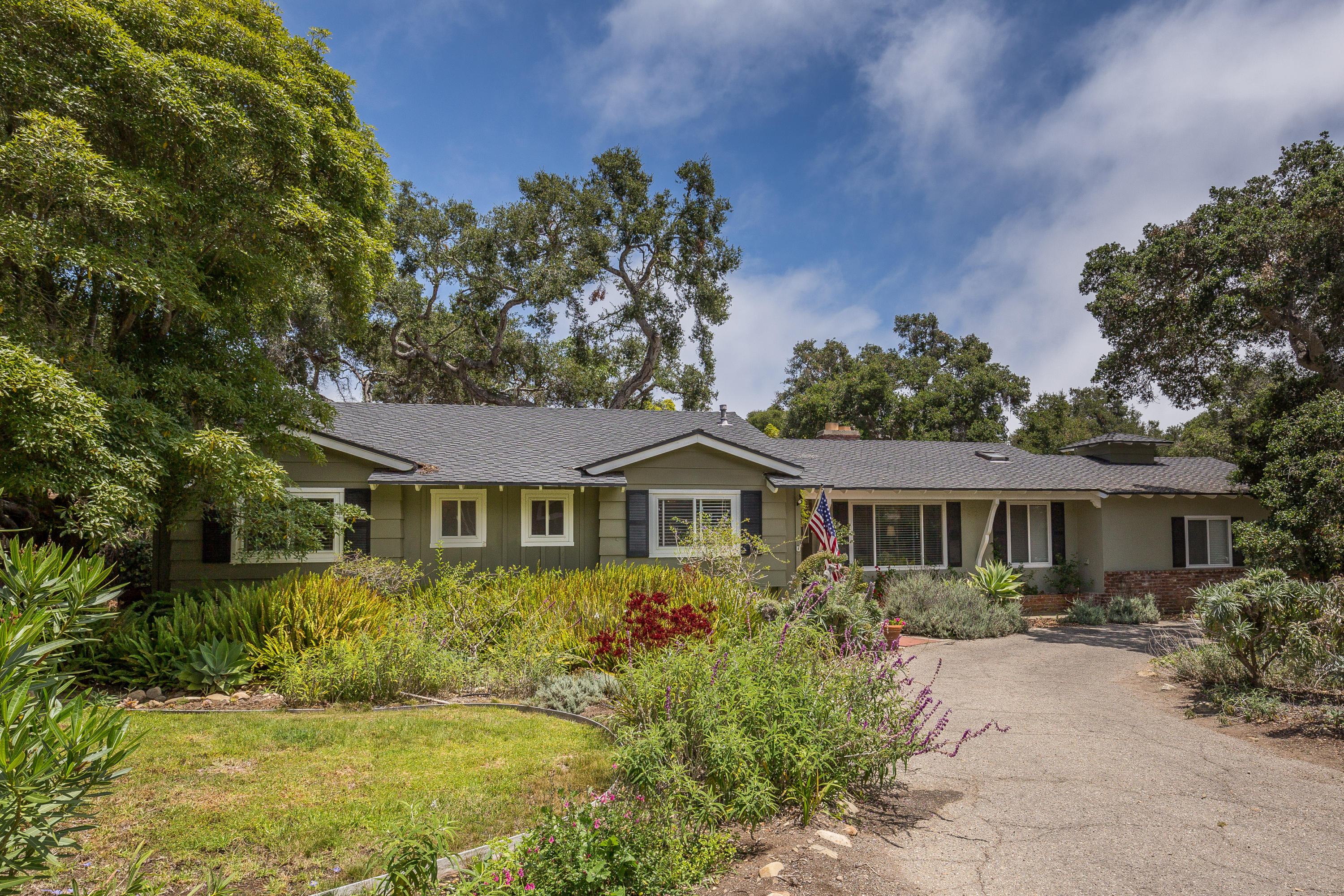 Property photo for 166 Santa Isabel Ln Montecito, California 93108 - 15-2228