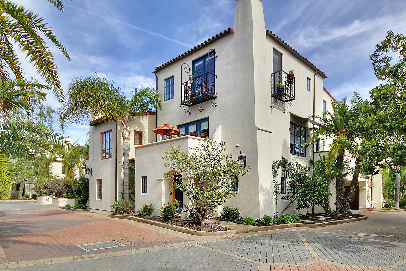 Property photo for 220 E Yanonali St #B Santa Barbara, California 93101 - 16-557