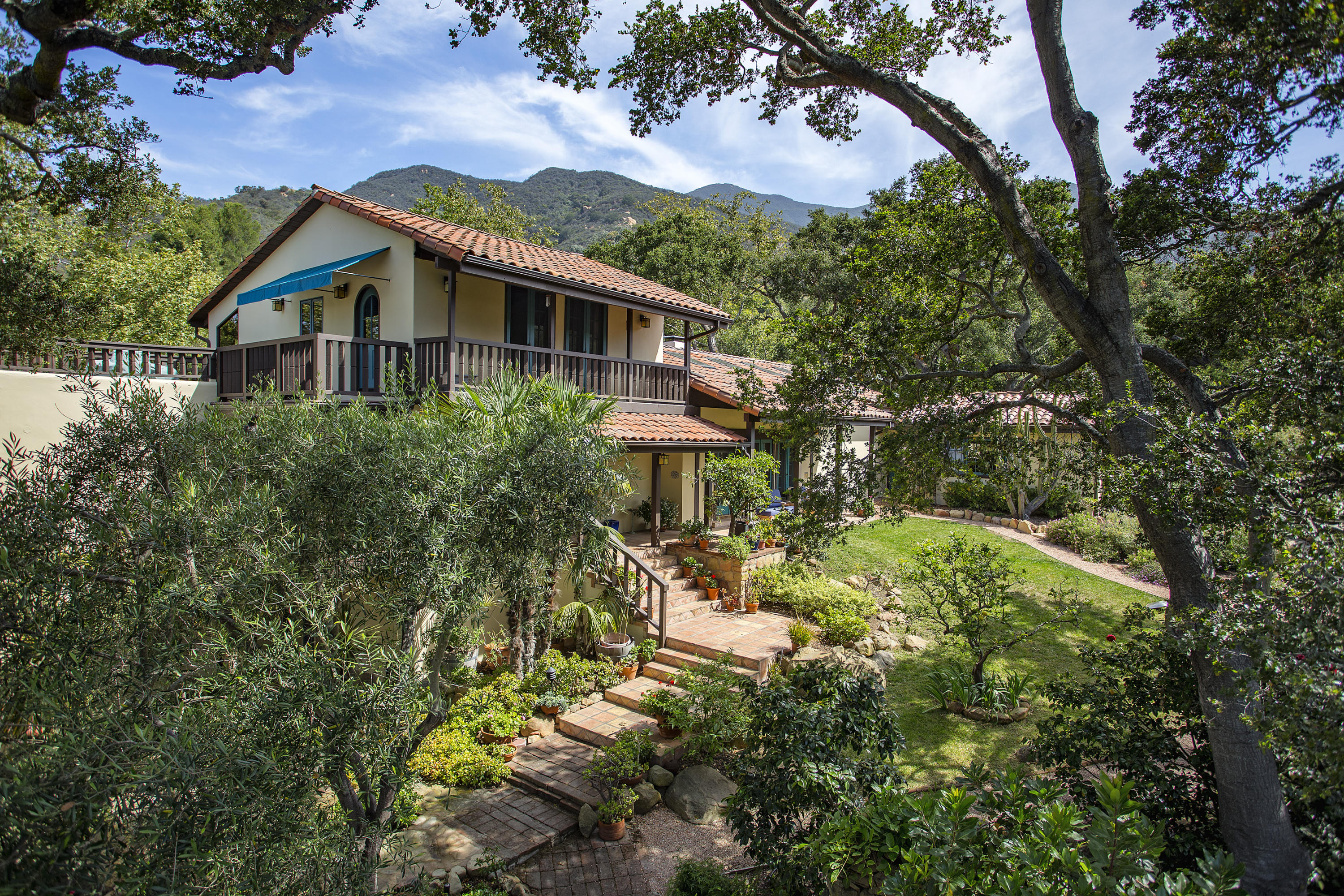 Property photo for 999 Hot Springs Rd Santa Barbara, California 93108 - 16-2036