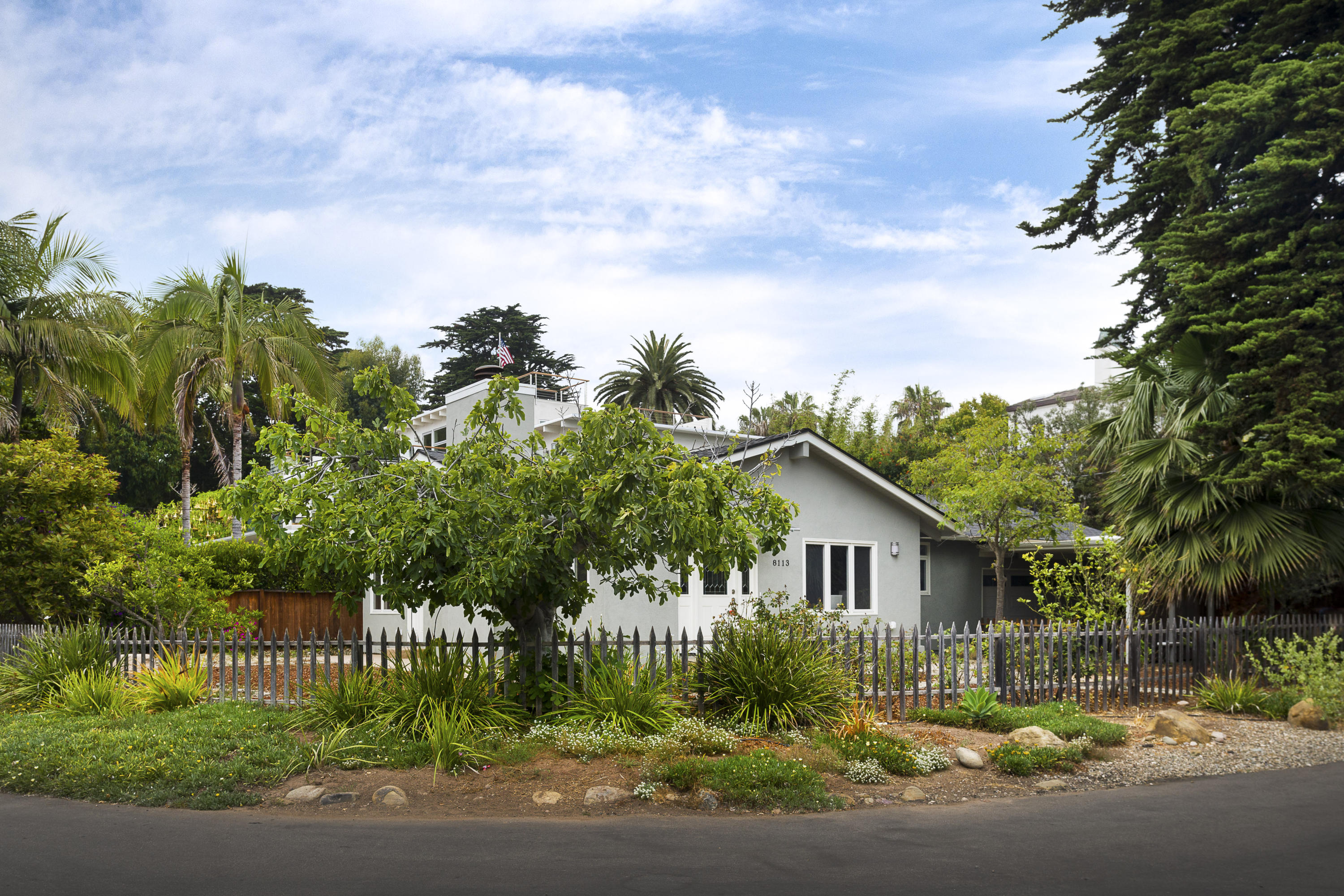 Property photo for 8113 Puesta Del Sol Carpinteria, California 93013 - 16-1988