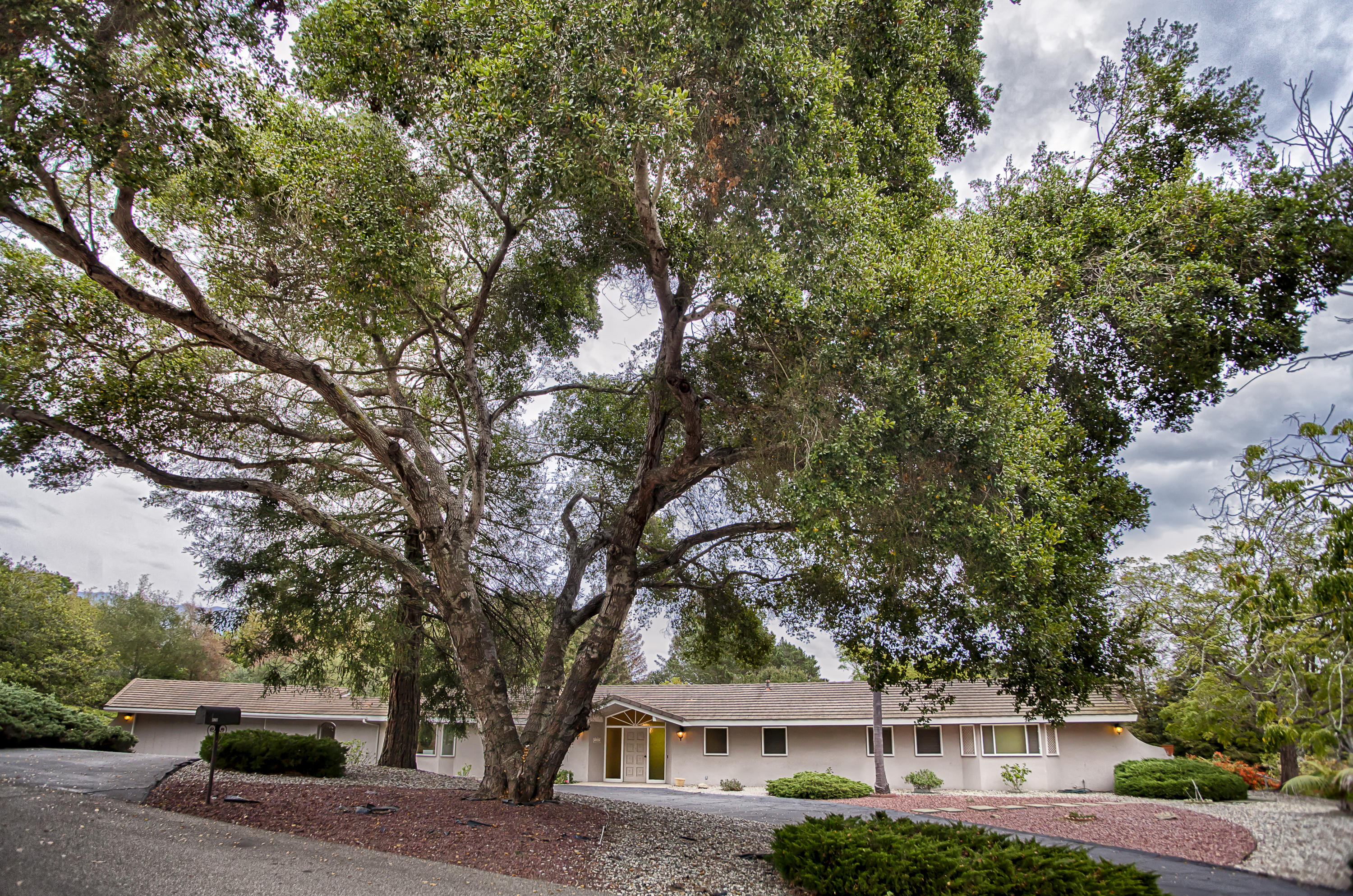 Property photo for 420 Alcala Ln Santa Barbara, California 93108 - 16-3604