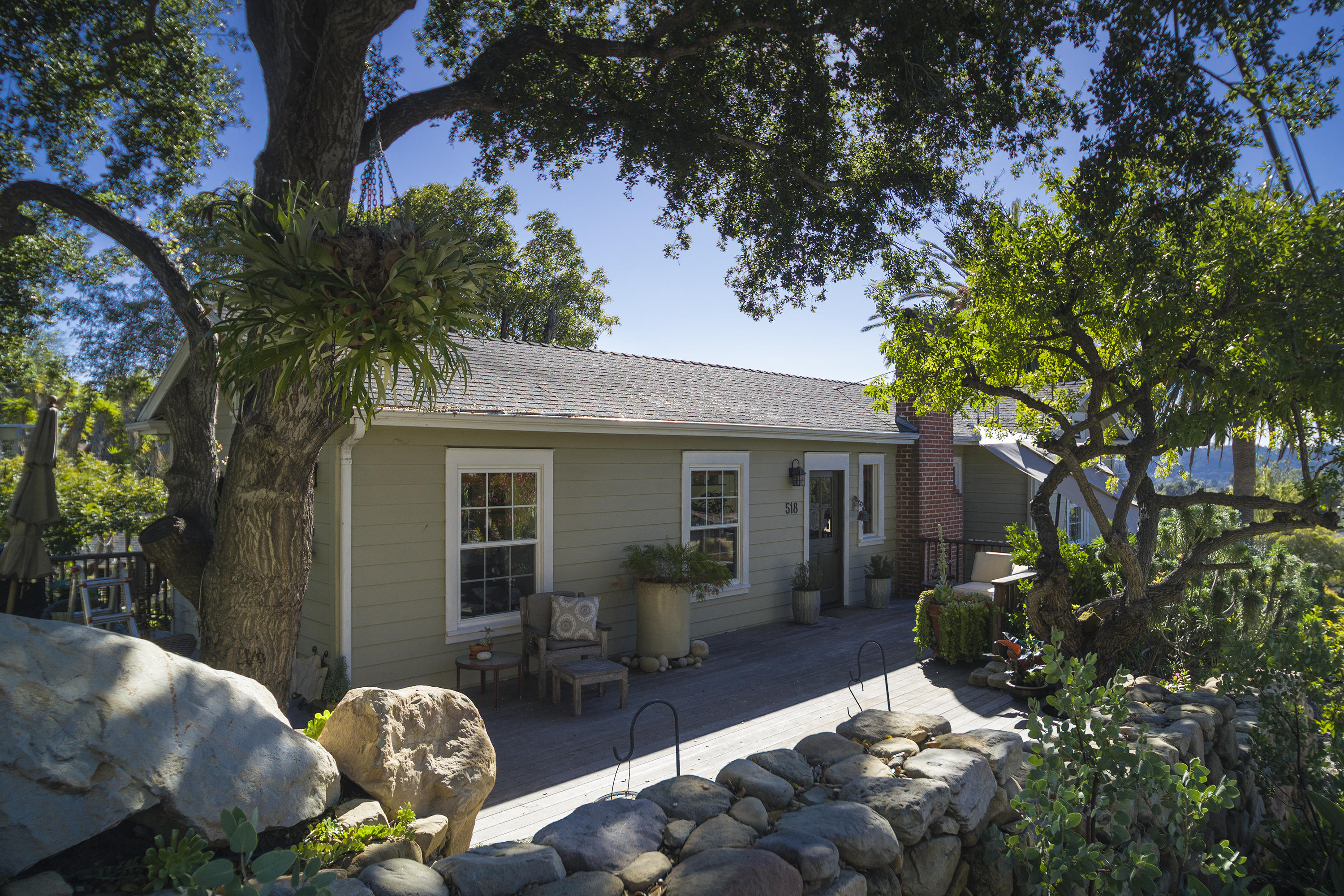 Property photo for 518 E Pedregosa St Santa Barbara, California 93103 - 17-178