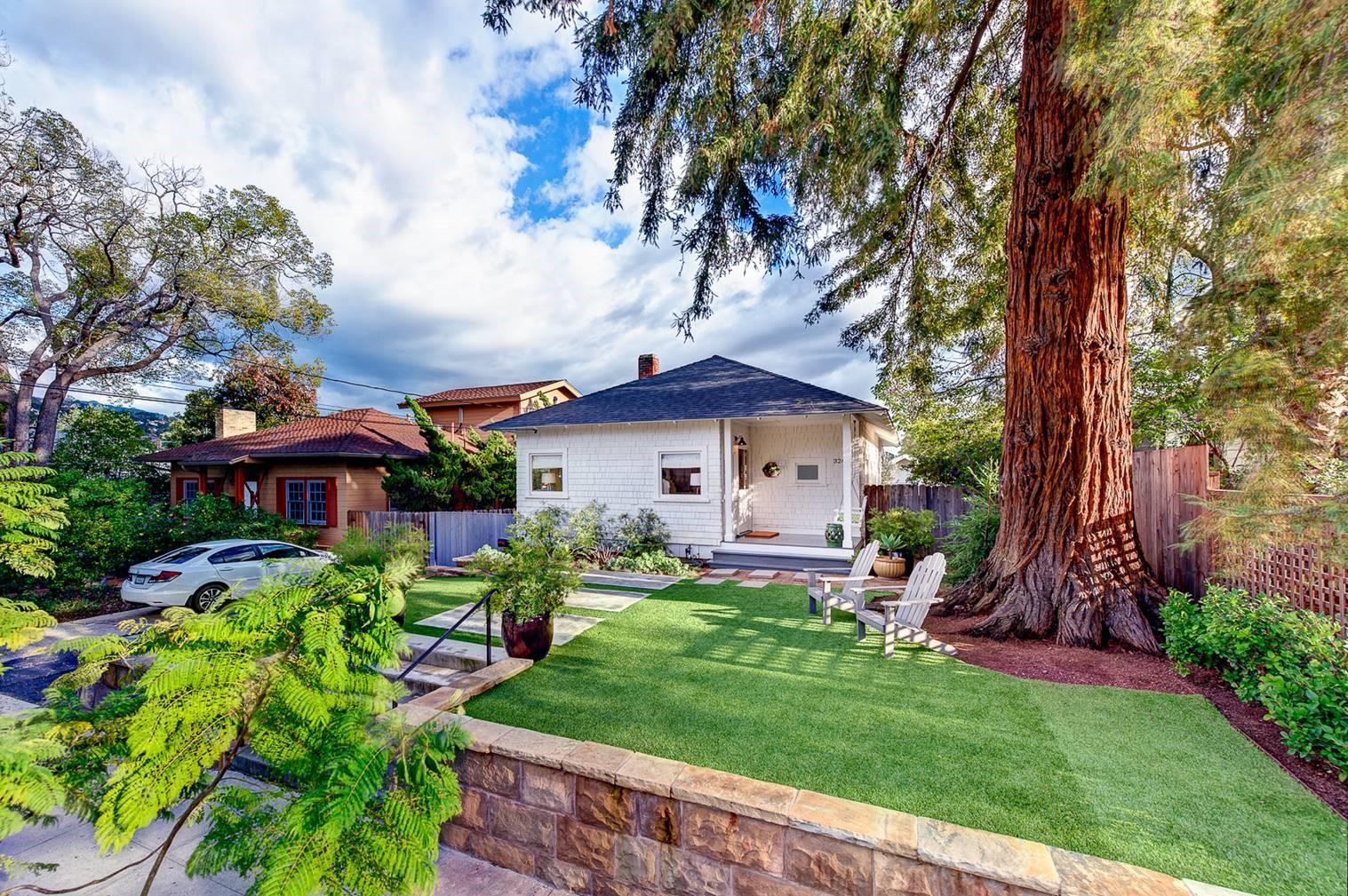 Property photo for 324 E Valerio St Santa Barbara, California 93101 - 17-209