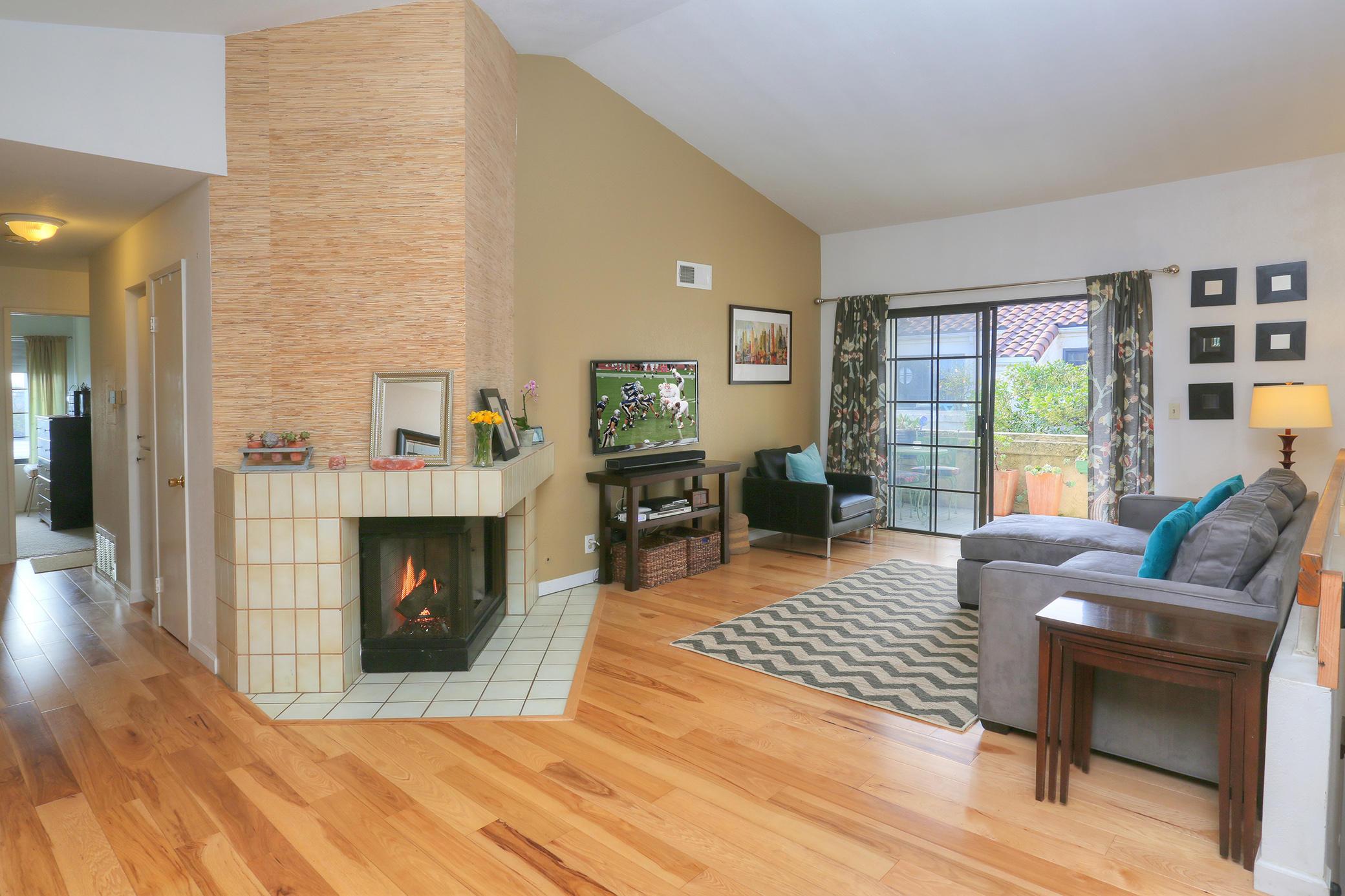 Property photo for 1230 Franciscan Ct #4 Carpinteria, California 93013 - 17-247