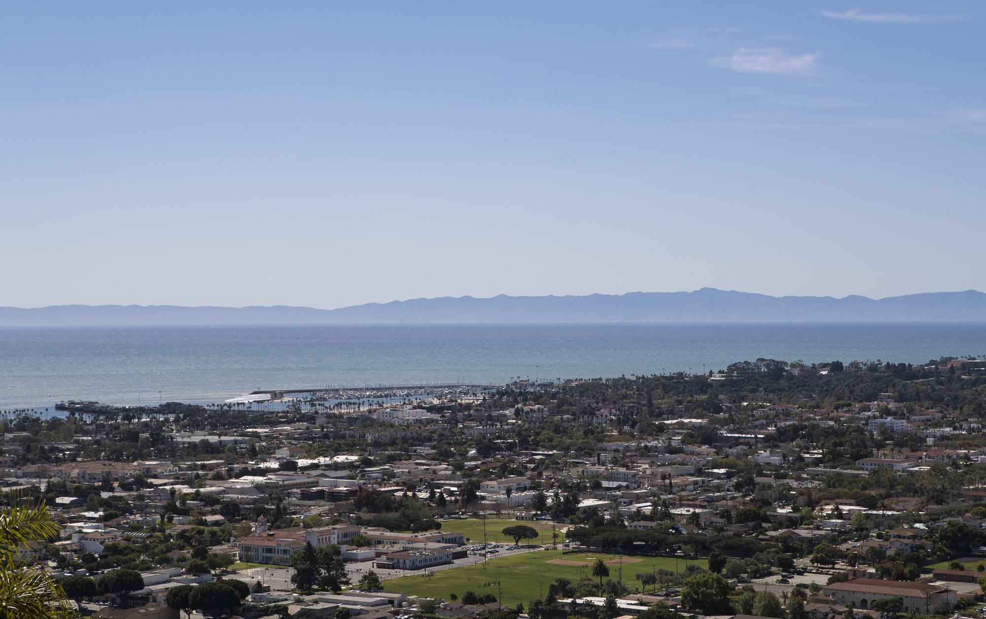 Property photo for 1018 Roble Ln Santa Barbara, California 93103 - 17-991