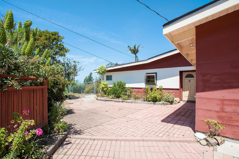 Property photo for 457 Concha Loma Dr Carpinteria, California 93013 - 17-1583