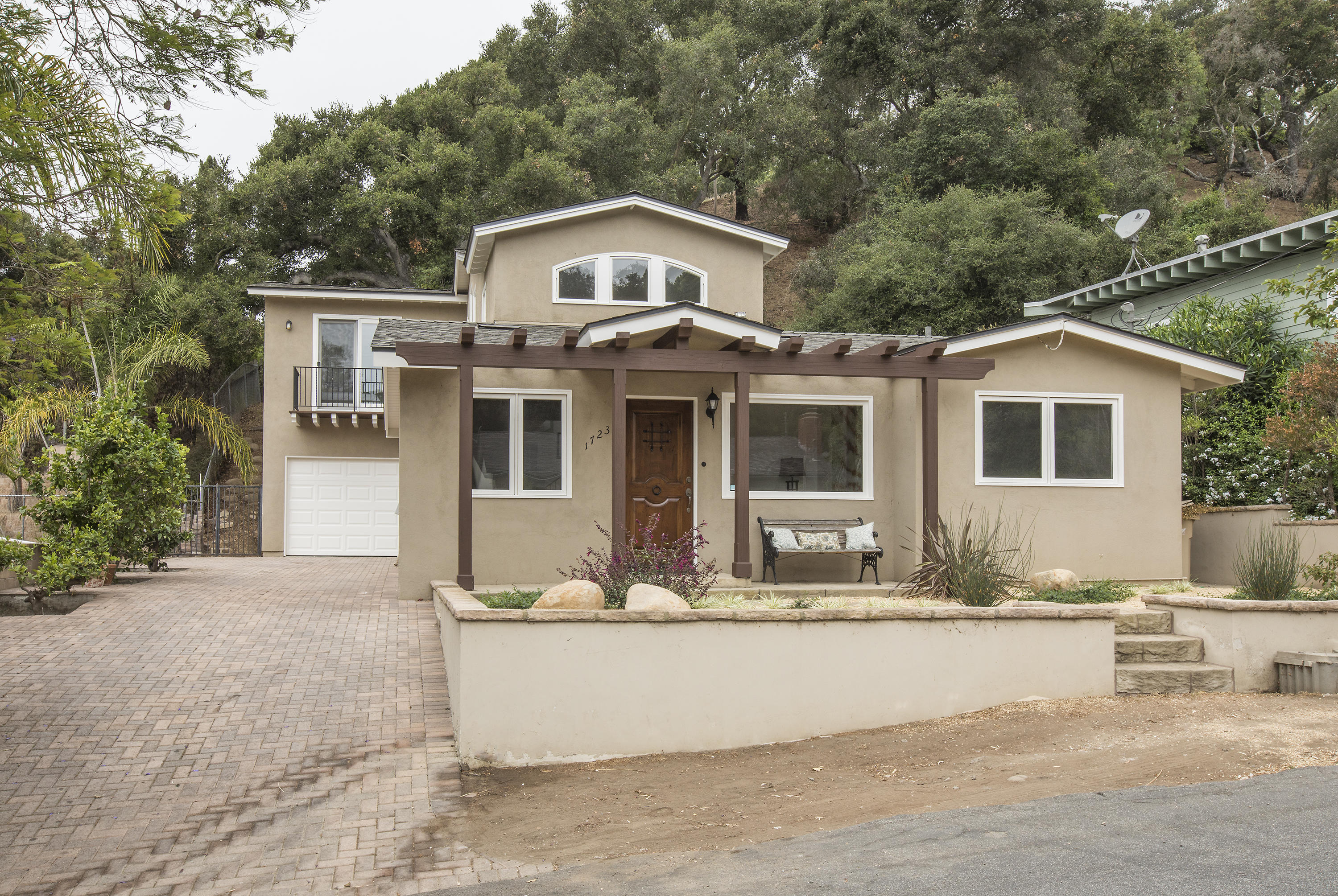 Property photo for 1723 Calle Cerro Santa Barbara, California 93101 - 17-2429