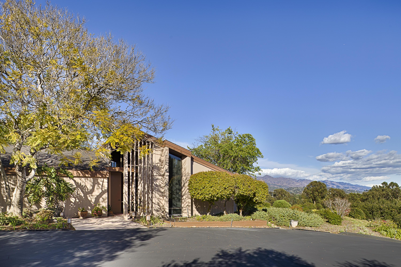 Property photo for 3942 Laguna Blanca Dr Santa Barbara, California 93110 - 18-956