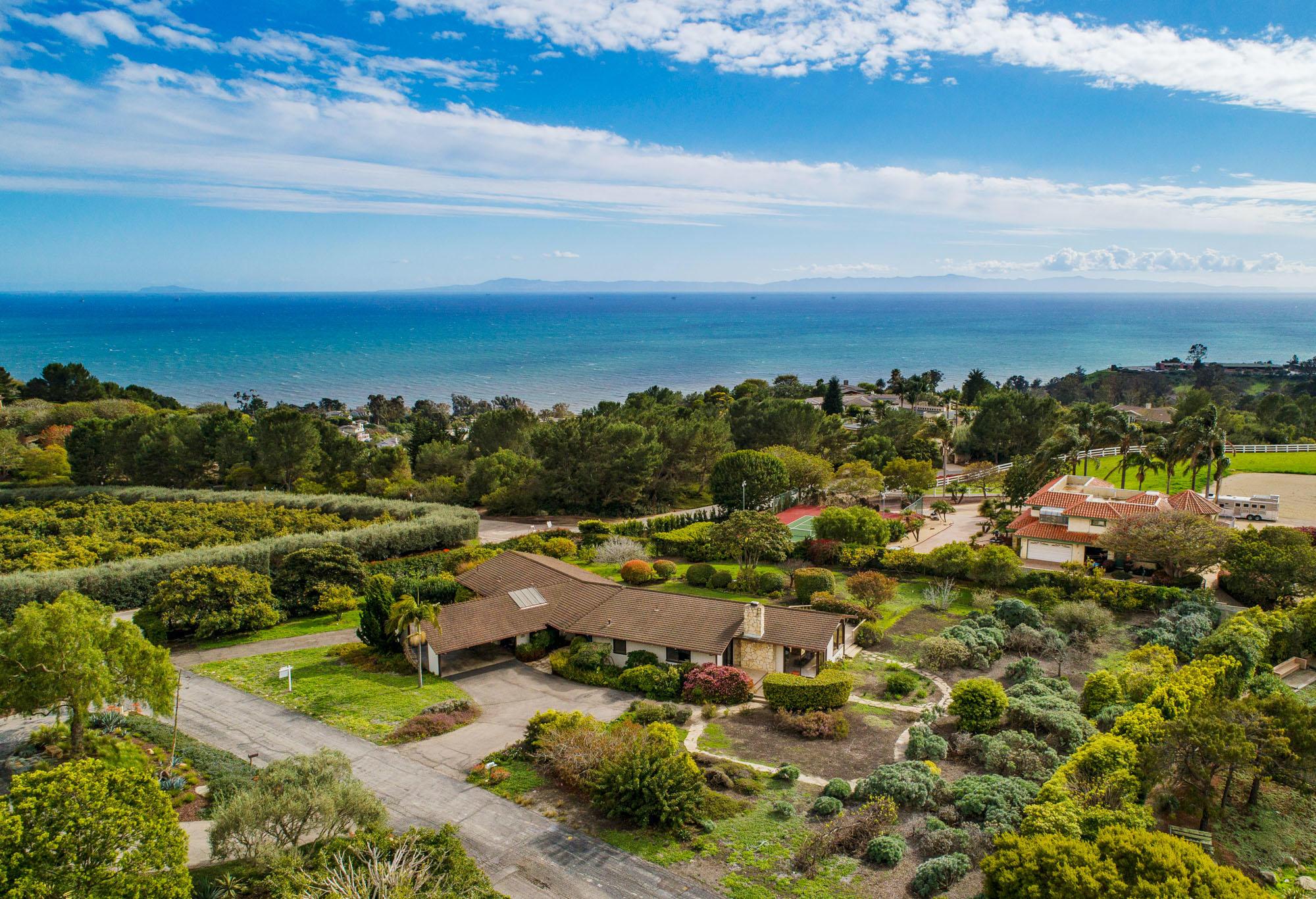 Property photo for 349 Ridgecrest Dr Santa Barbara, California 93108 - 18-1000