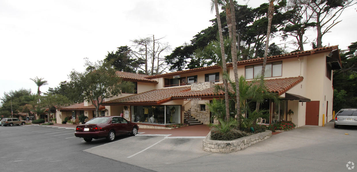 Business Opportunity for Rent at 1470 E Valley Road 1470 E Valley Road Santa Barbara, California 93108 United States
