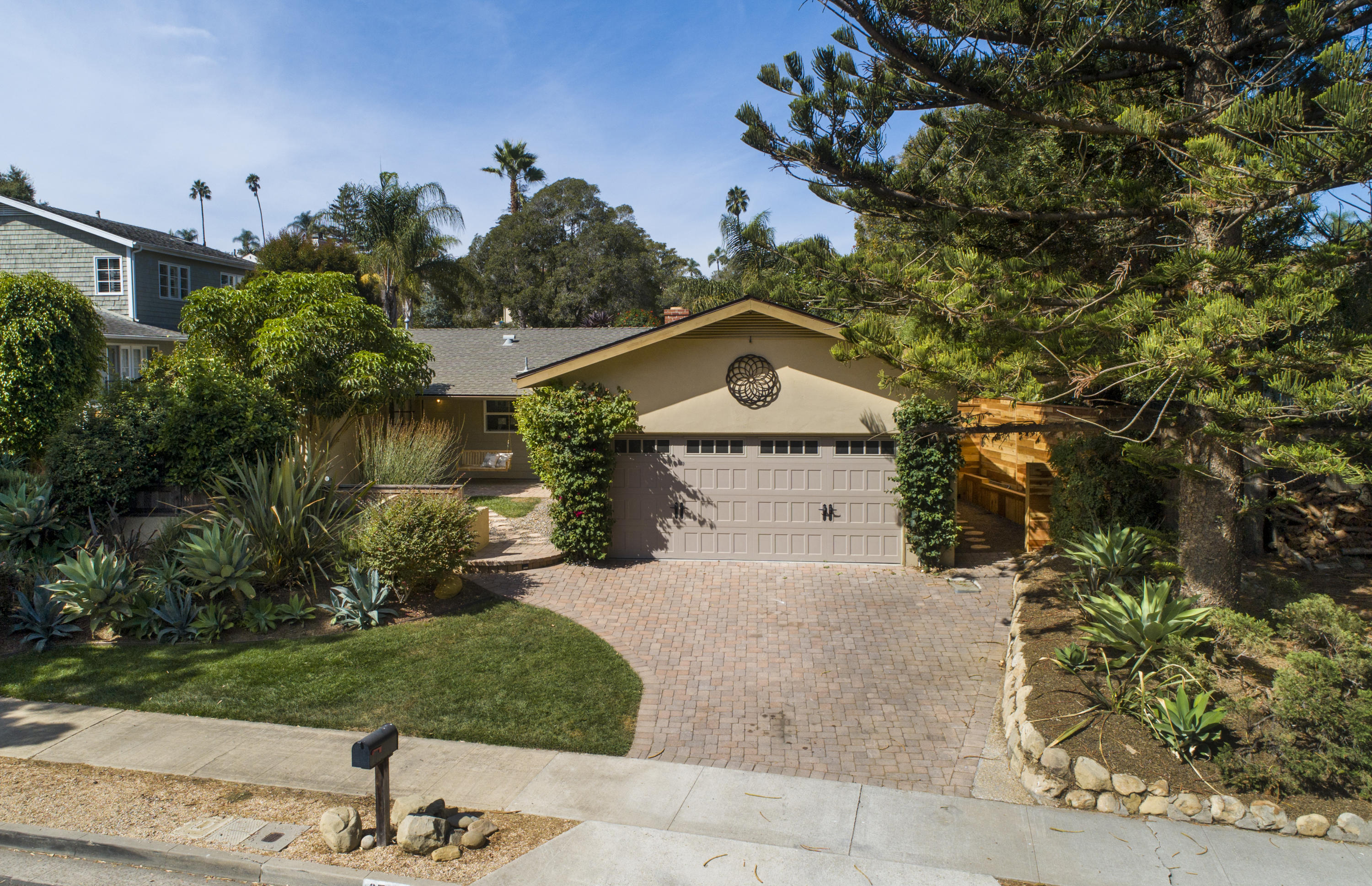 Property photo for 2749 Vernon Rd Santa Barbara, California 93105 - 18-3523