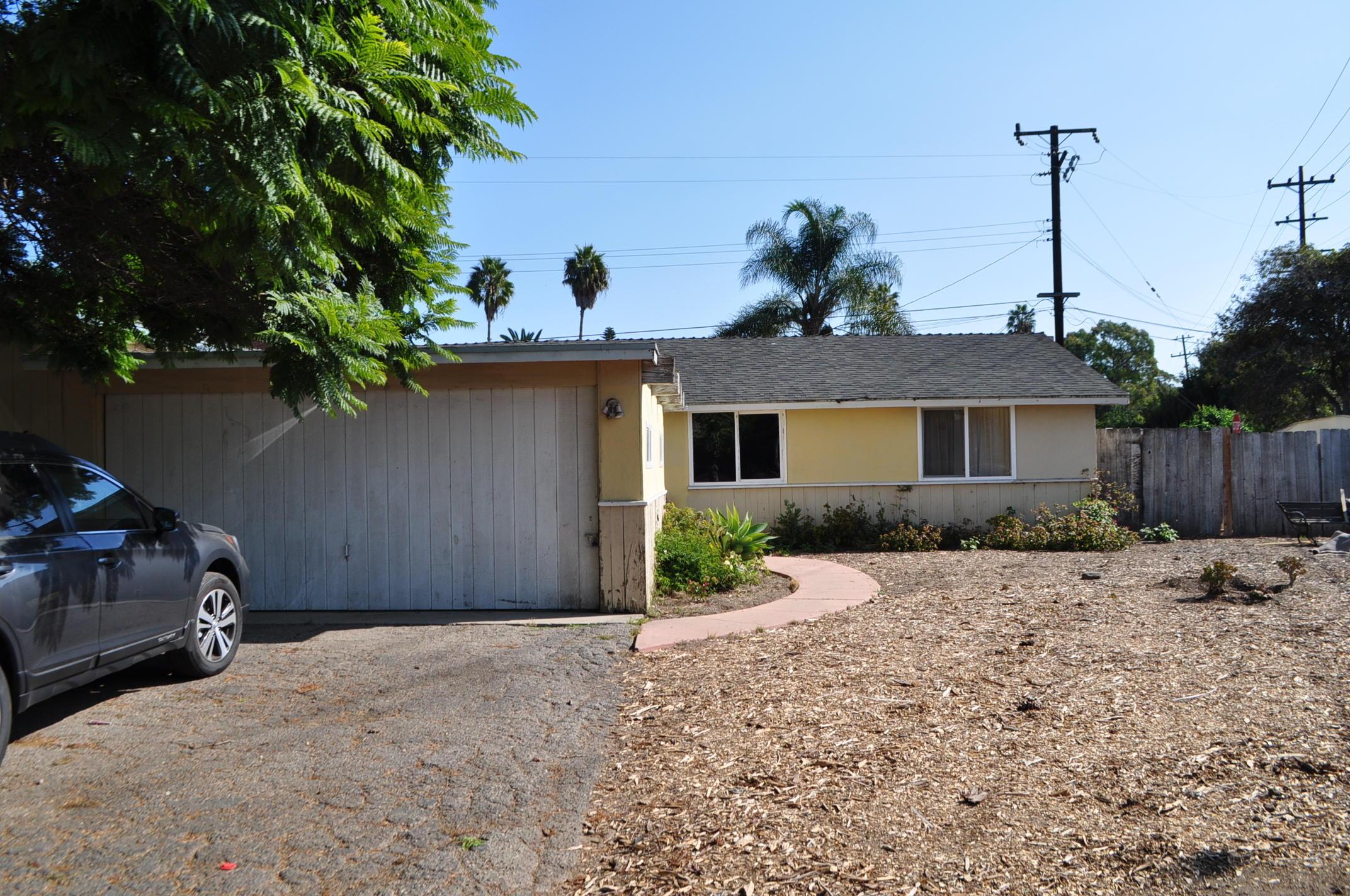 Property photo for 515 Peach Grove Ln Santa Barbara, California 93105 - 18-4090