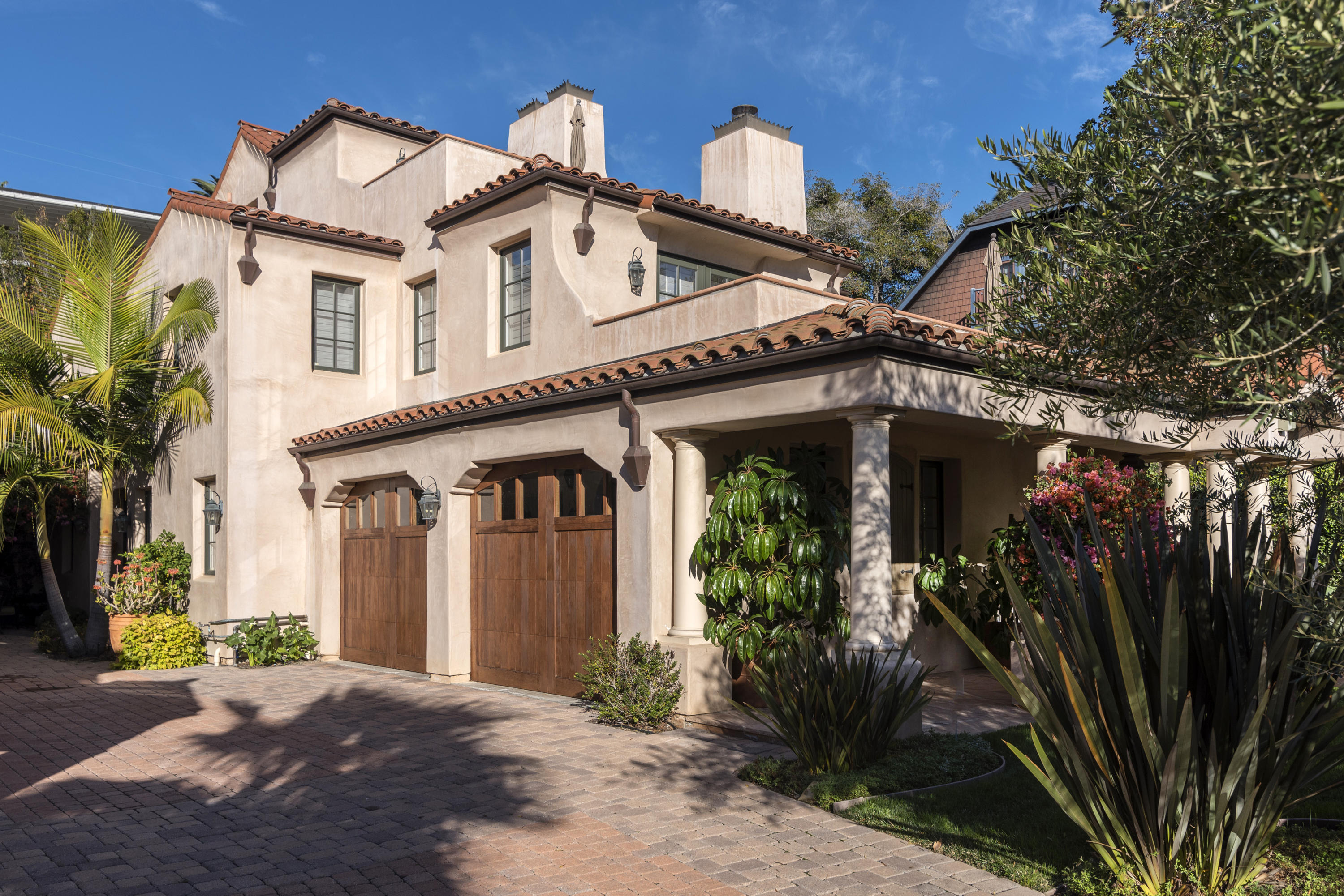 637 E Micheltorena St, Santa Barbara, California