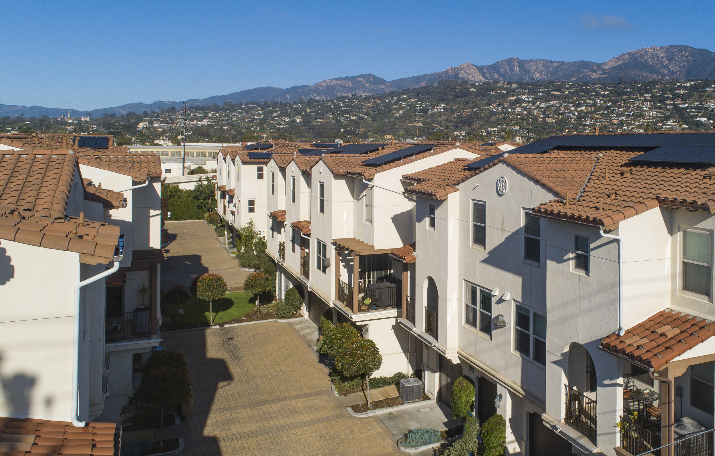 541 E Montecito St, Santa Barbara, California