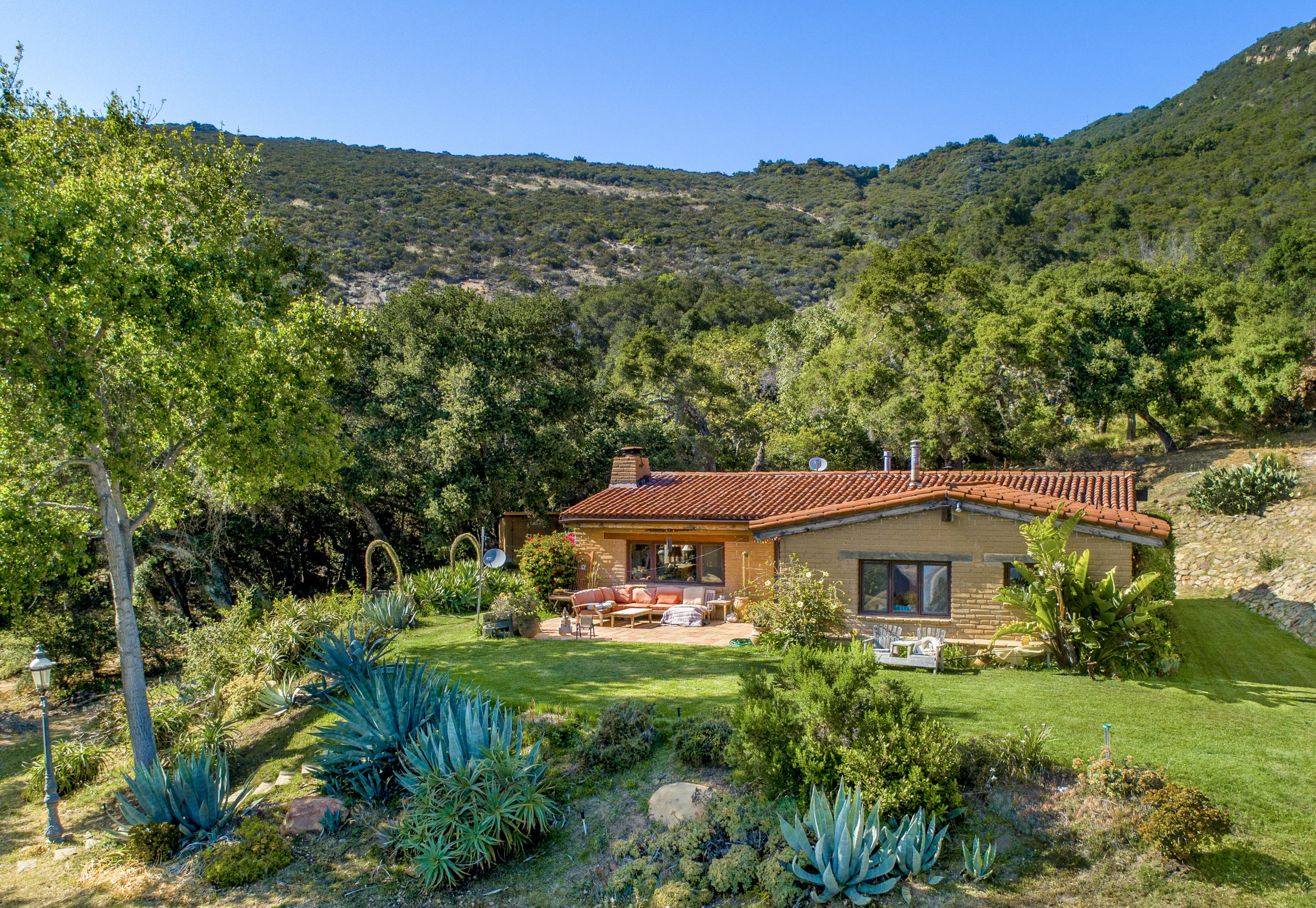 2125 Refugio Rd - Santa Barbara, California