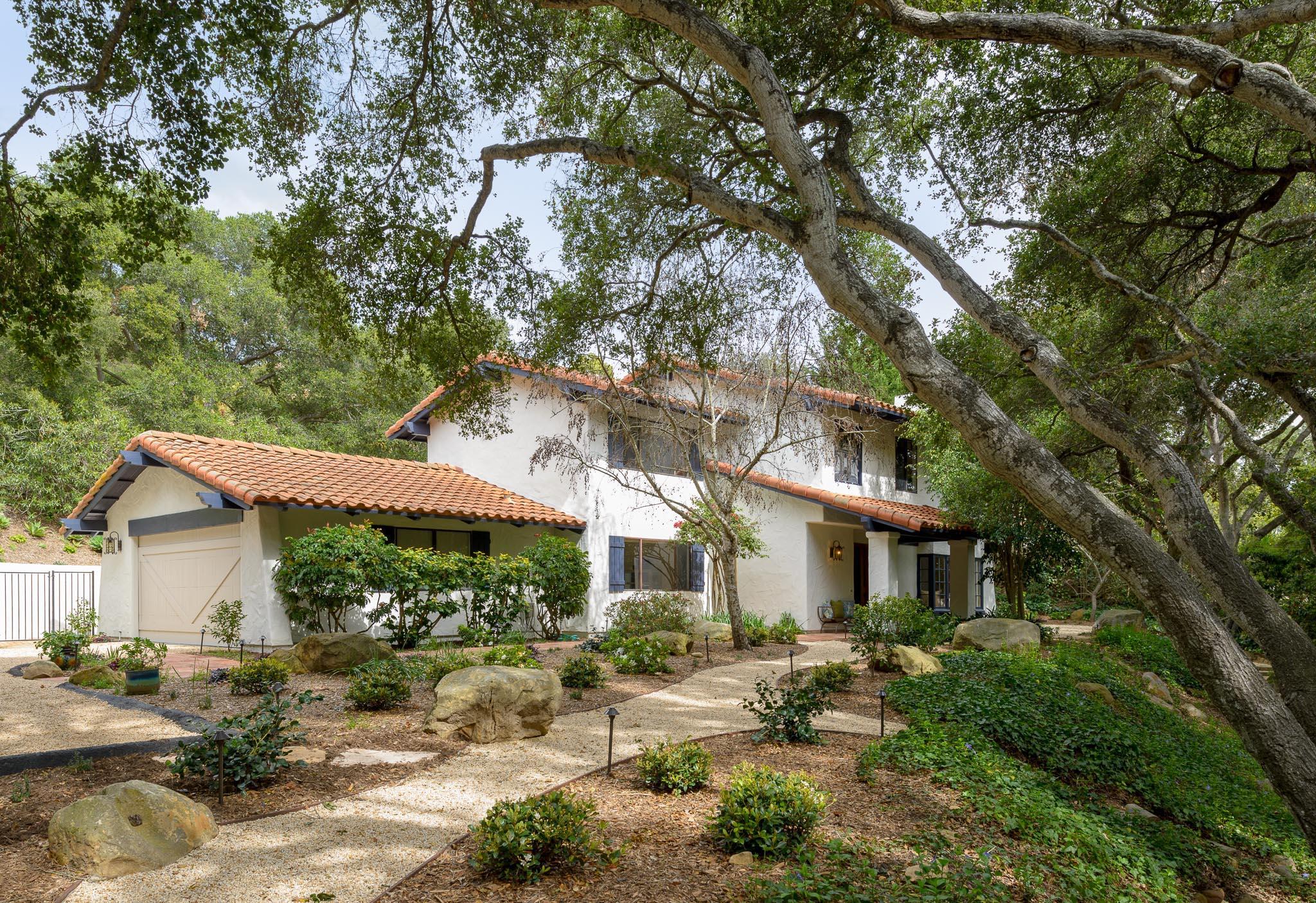 Property photo for 916 El Rancho Rd Montecito, California 93108 - 19-881