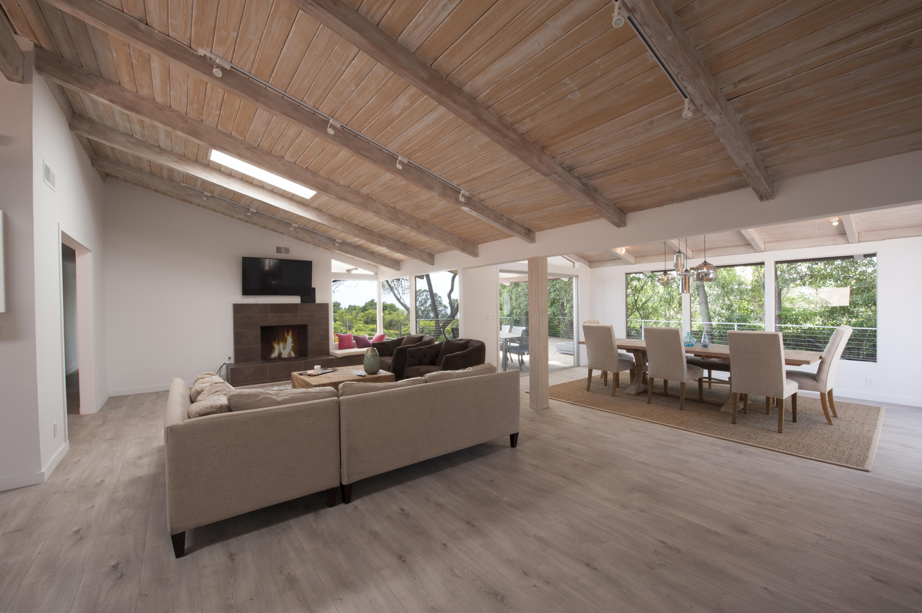 824 Alston Rd, SANTA BARBARA, California
