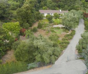 725 El Rancho Rd