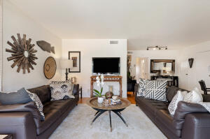 12 W Constance Ave #4