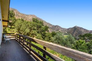 1150 Toro Canyon