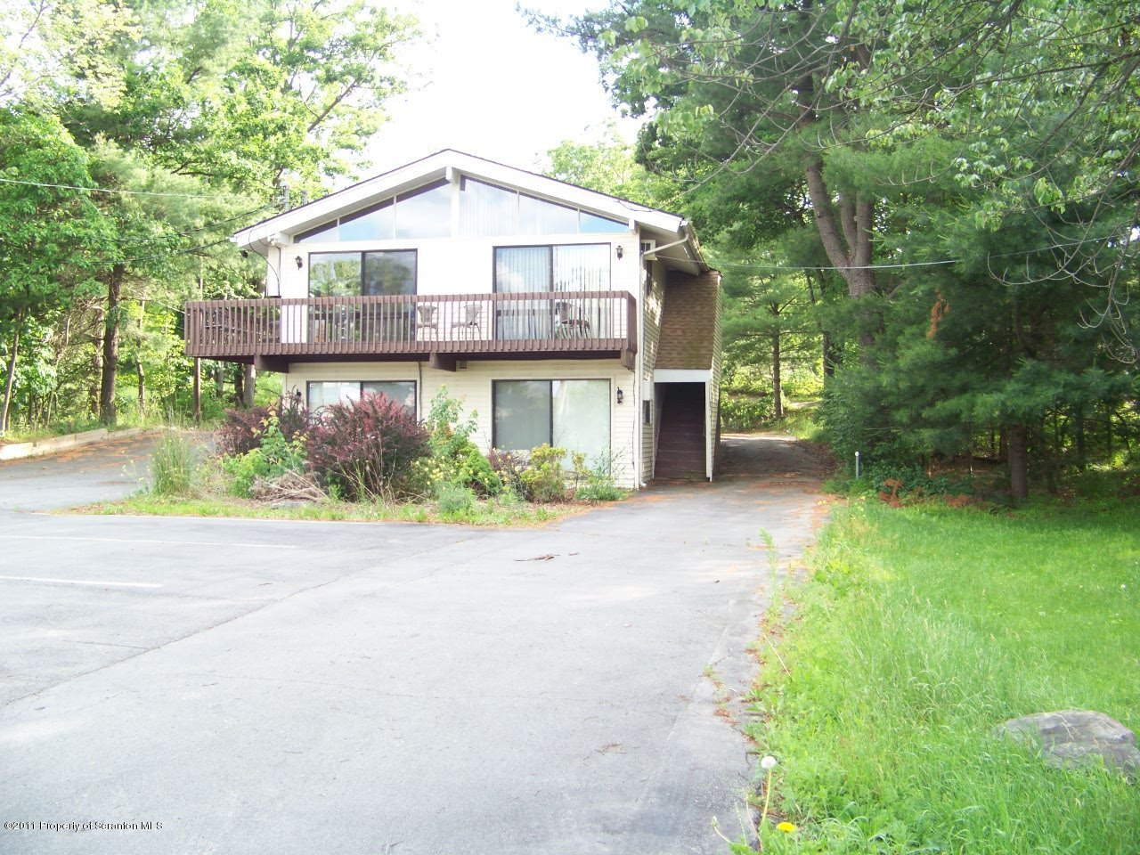 657 Route 739, Lords Valley, Pennsylvania 18428, ,3 BathroomsBathrooms,Commercial,For Sale,Route 739,11-494