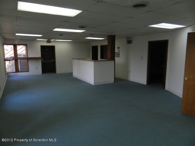 2232 PITTSTON AVE, Scranton, Pennsylvania 18505, ,1 BathroomBathrooms,Commercial,For Lease,PITTSTON,12-445