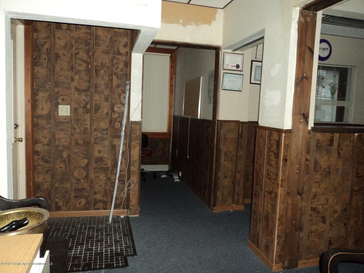 119 Main St, Blakely, Pennsylvania 18447, ,2 BathroomsBathrooms,Commercial,For Lease,Main,12-5088
