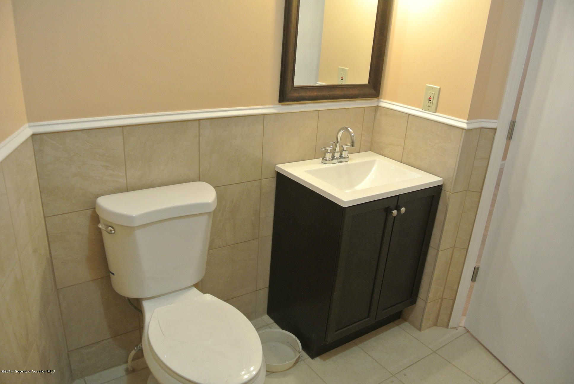 209 State St, Clarks Summit, Pennsylvania 18411, ,1 BathroomBathrooms,Commercial,For Lease,State,14-625
