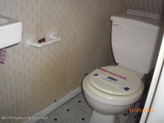 529 Sumner Ave, Scranton, Pennsylvania 18504, 4 Bedrooms Bedrooms, 7 Rooms Rooms,1 BathroomBathrooms,Single Family,For Sale,Sumner,15-5919