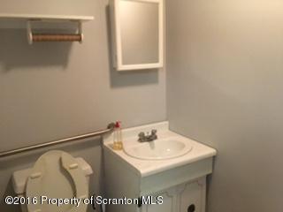 418 Main First Floor St, Dickson City, Pennsylvania 18519, ,2 BathroomsBathrooms,Commercial,For Lease,Main First Floor,16-4417