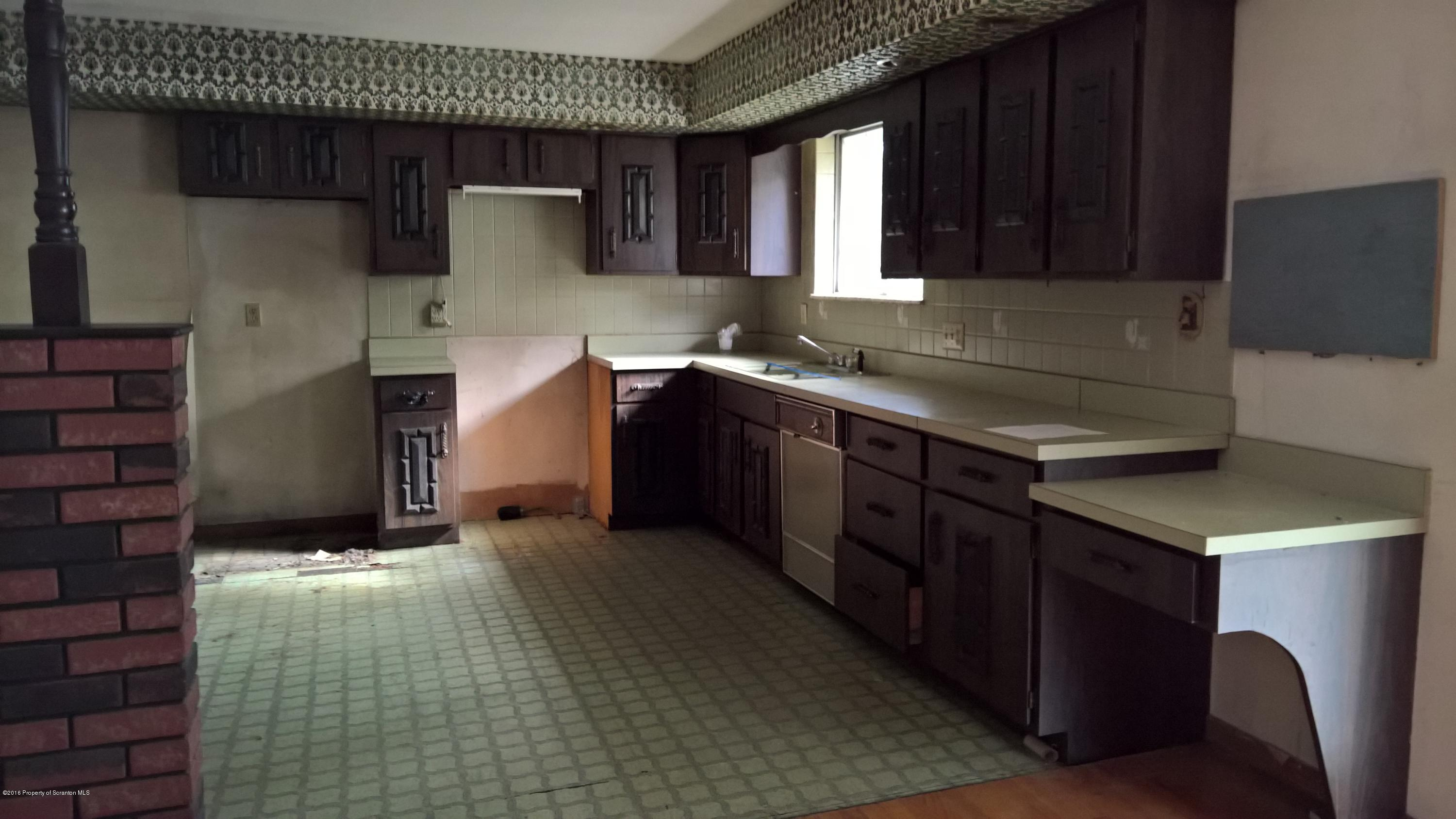 201 Bichler Ln, Taylor, Pennsylvania 18517, 3 Bedrooms Bedrooms, 7 Rooms Rooms,1 BathroomBathrooms,Single Family,For Sale,Bichler,16-4604