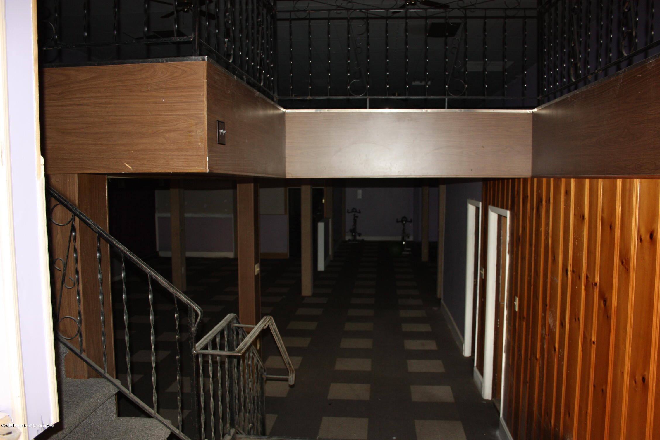 639 Sanderson St, Throop, Pennsylvania 18512, ,1 BathroomBathrooms,Commercial,For Sale,Sanderson,16-5889