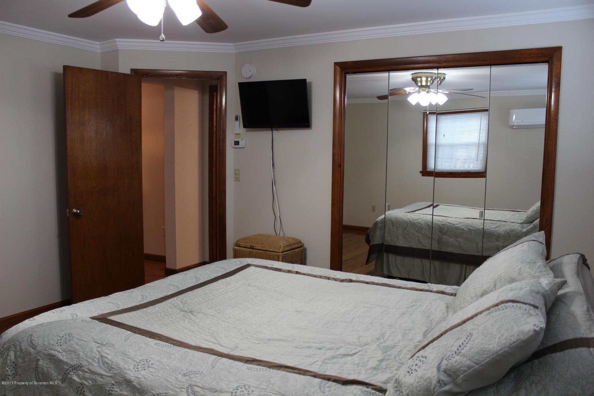 1310 Prospect Ave, Scranton, Pennsylvania 18505, 4 Bedrooms Bedrooms, 9 Rooms Rooms,3 BathroomsBathrooms,Single Family,For Sale,Prospect,17-557