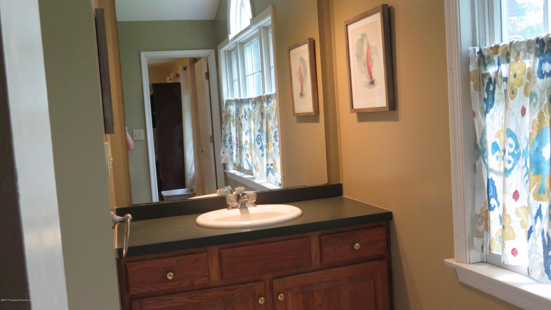1101 Nicholas Dr, Clarks Summit, Pennsylvania 18411, 4 Bedrooms Bedrooms, 11 Rooms Rooms,3 BathroomsBathrooms,Single Family,For Sale,Nicholas,17-3223