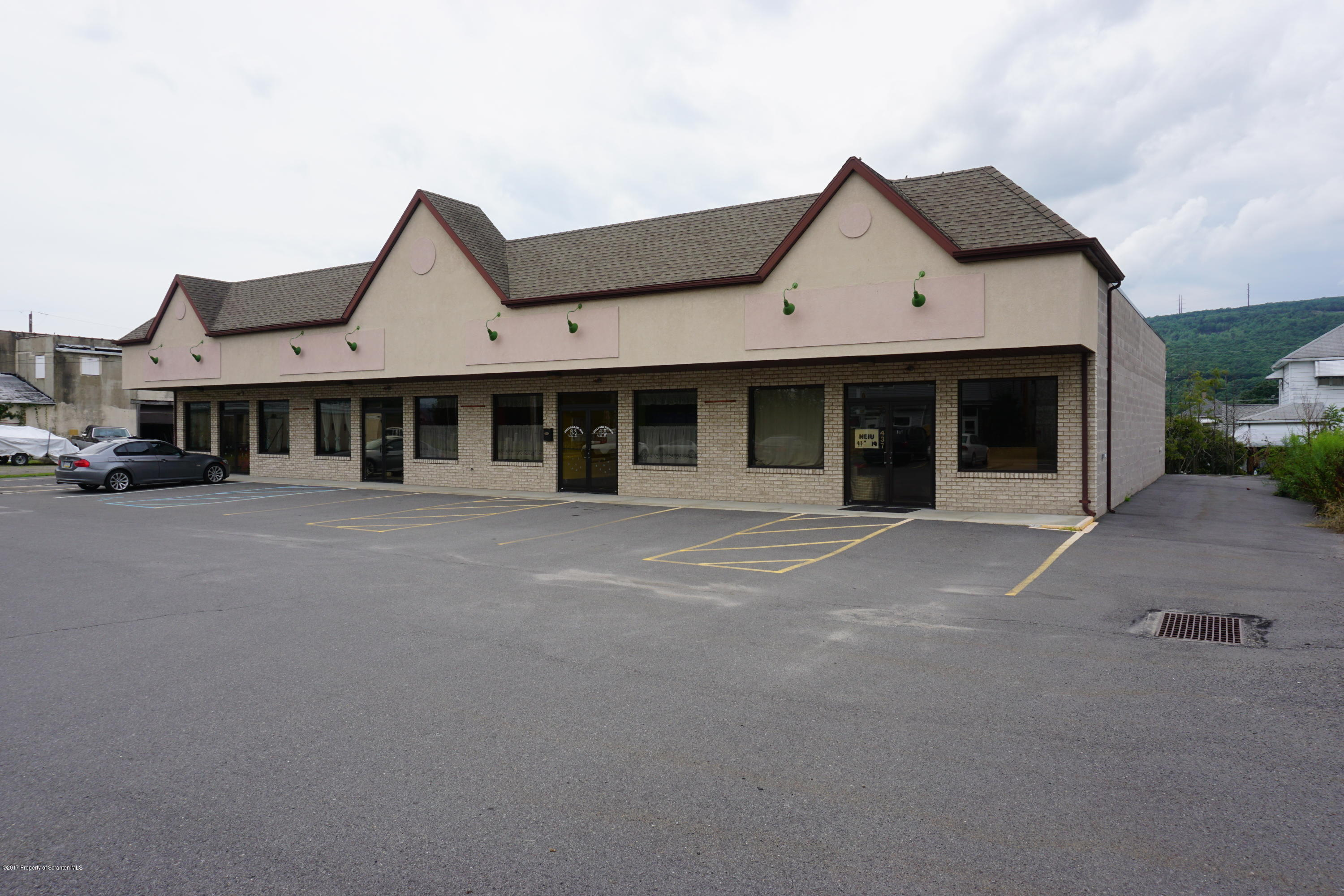 437 Main St, Eynon, Pennsylvania 18403, ,1 BathroomBathrooms,Commercial,For Lease,Main,17-3633