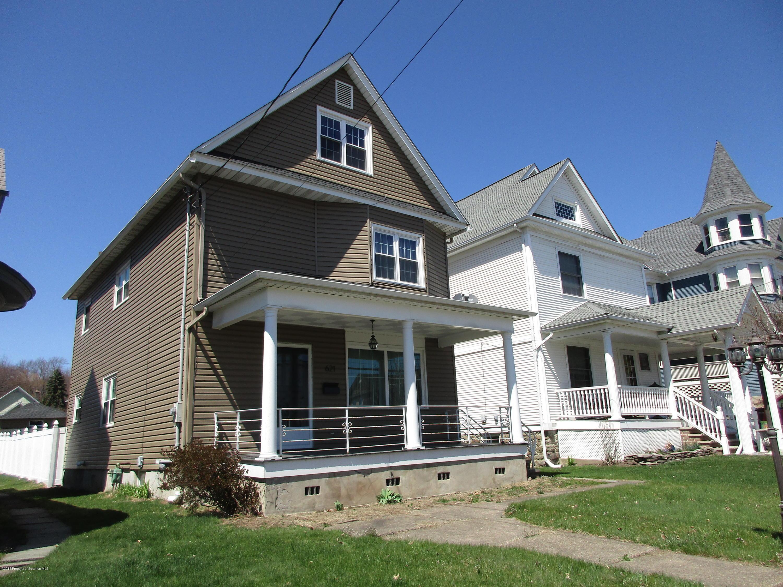 621 Main St, Dickson City, Pennsylvania 18519, 4 Bedrooms Bedrooms, 8 Rooms Rooms,2 BathroomsBathrooms,Single Family,For Sale,Main,19-1859
