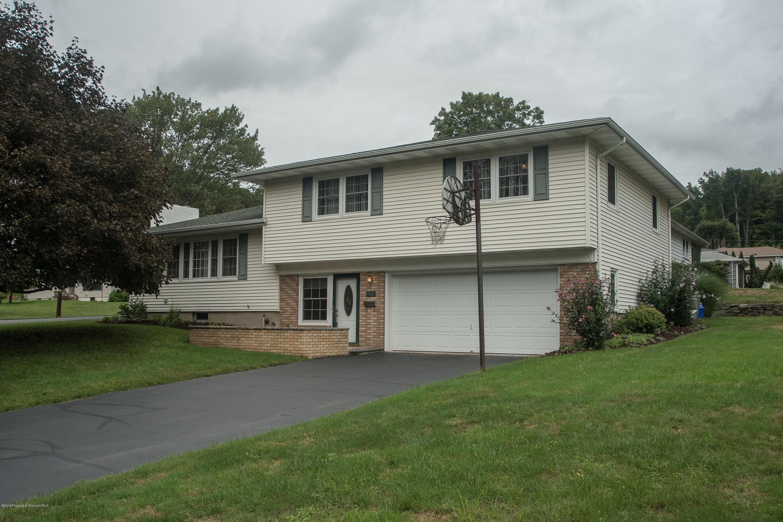 202 Oakford Rd, Clarks Summit, Pennsylvania 18411, 4 Bedrooms Bedrooms, 8 Rooms Rooms,2 BathroomsBathrooms,Single Family,For Sale,Oakford,18-4370