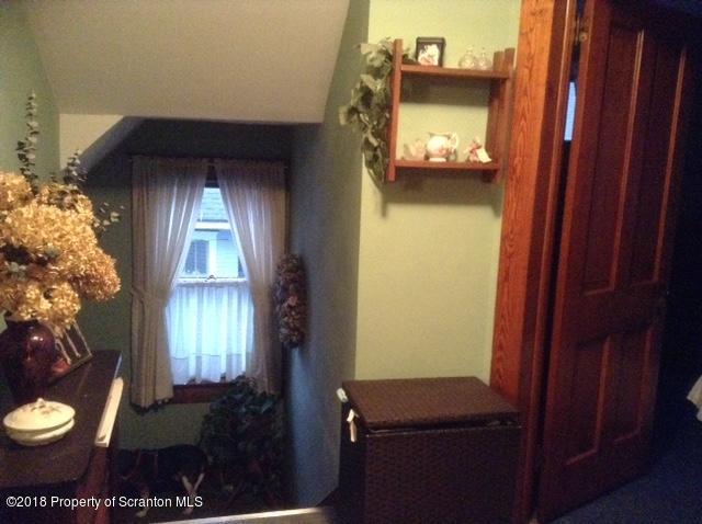 406 Turnpike Rd, Dalton, Pennsylvania 18414, 3 Bedrooms Bedrooms, 6 Rooms Rooms,1 BathroomBathrooms,Single Family,For Sale,Turnpike,18-4652