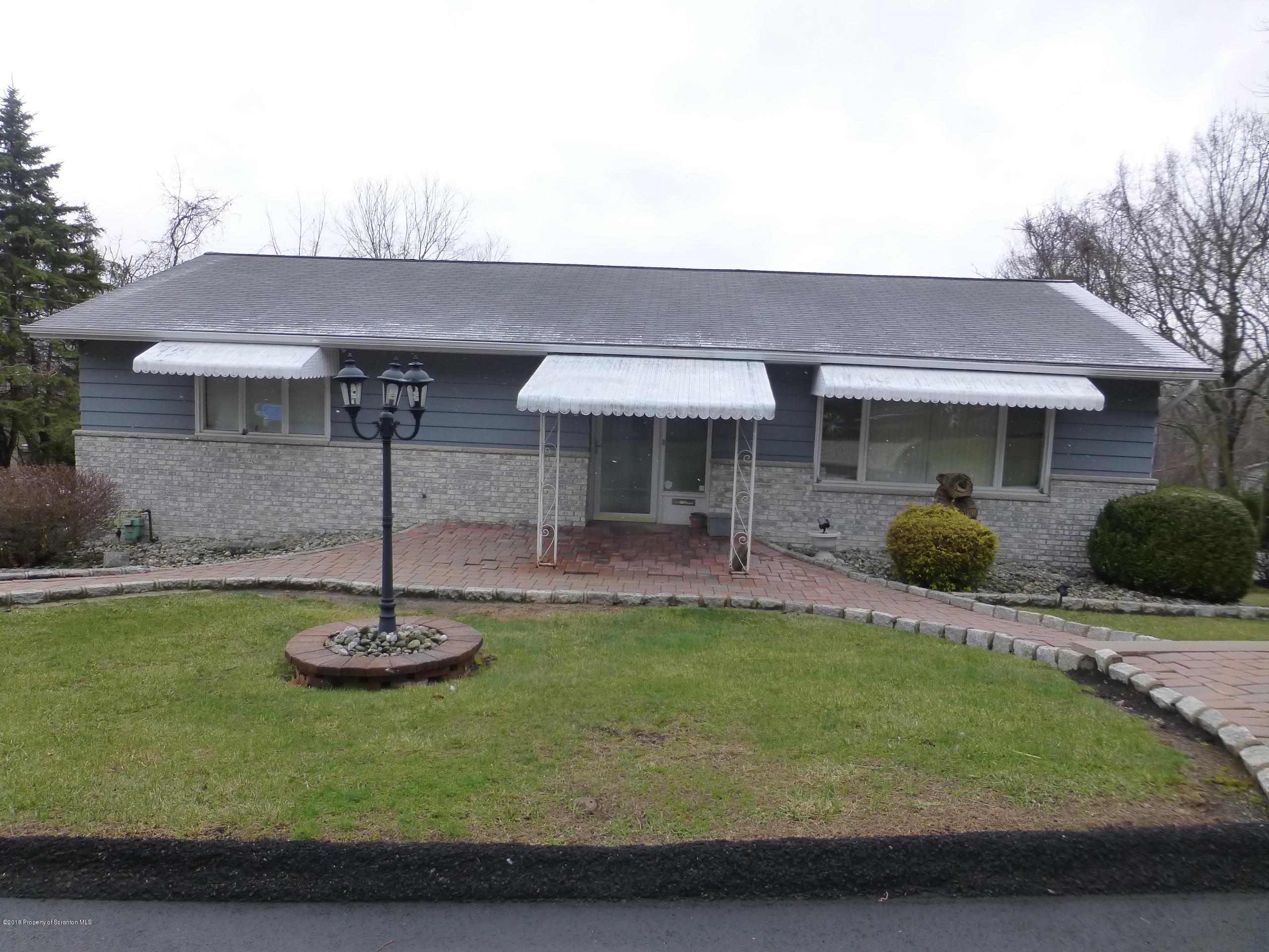 23 Leslie Dr, Scranton, Pennsylvania 18505, 2 Bedrooms Bedrooms, 5 Rooms Rooms,2 BathroomsBathrooms,Single Family,For Sale,Leslie,18-5673